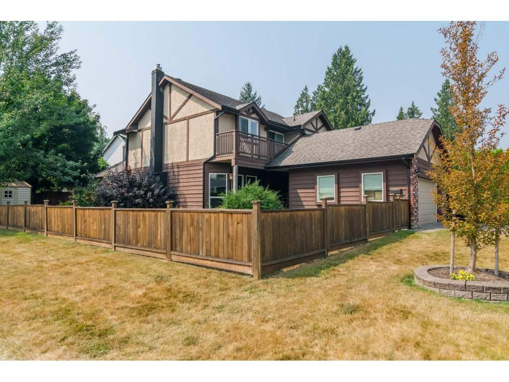 Detached at 19750 50A AVENUE, Langley, British Columbia. Image 2