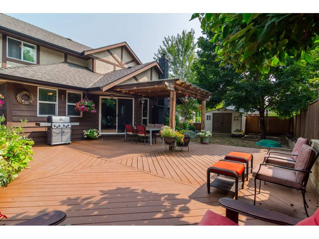 Detached at 19750 50A AVENUE, Langley, British Columbia. Image 16