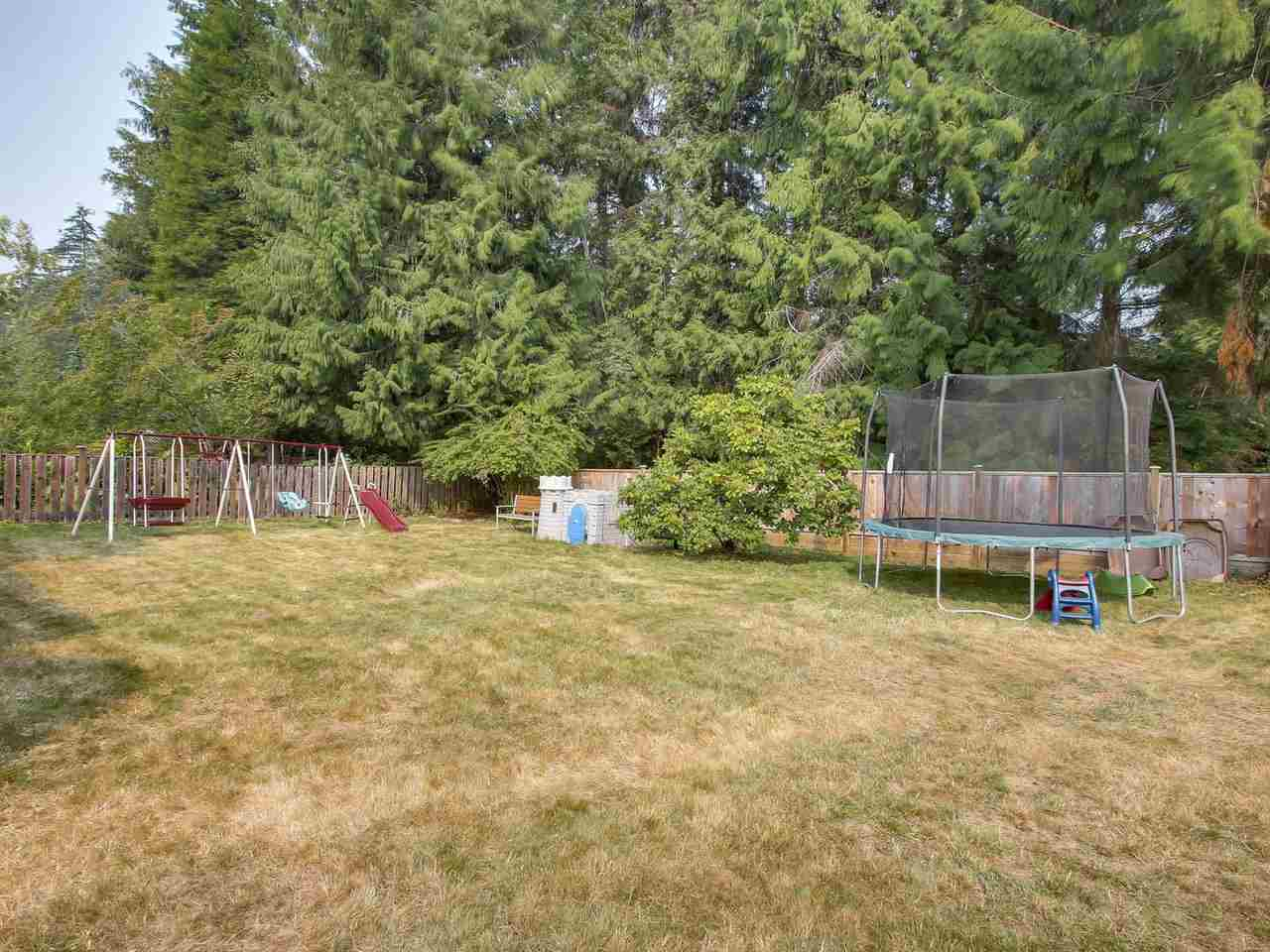 Detached at 703 WILMOT STREET, Coquitlam, British Columbia. Image 18