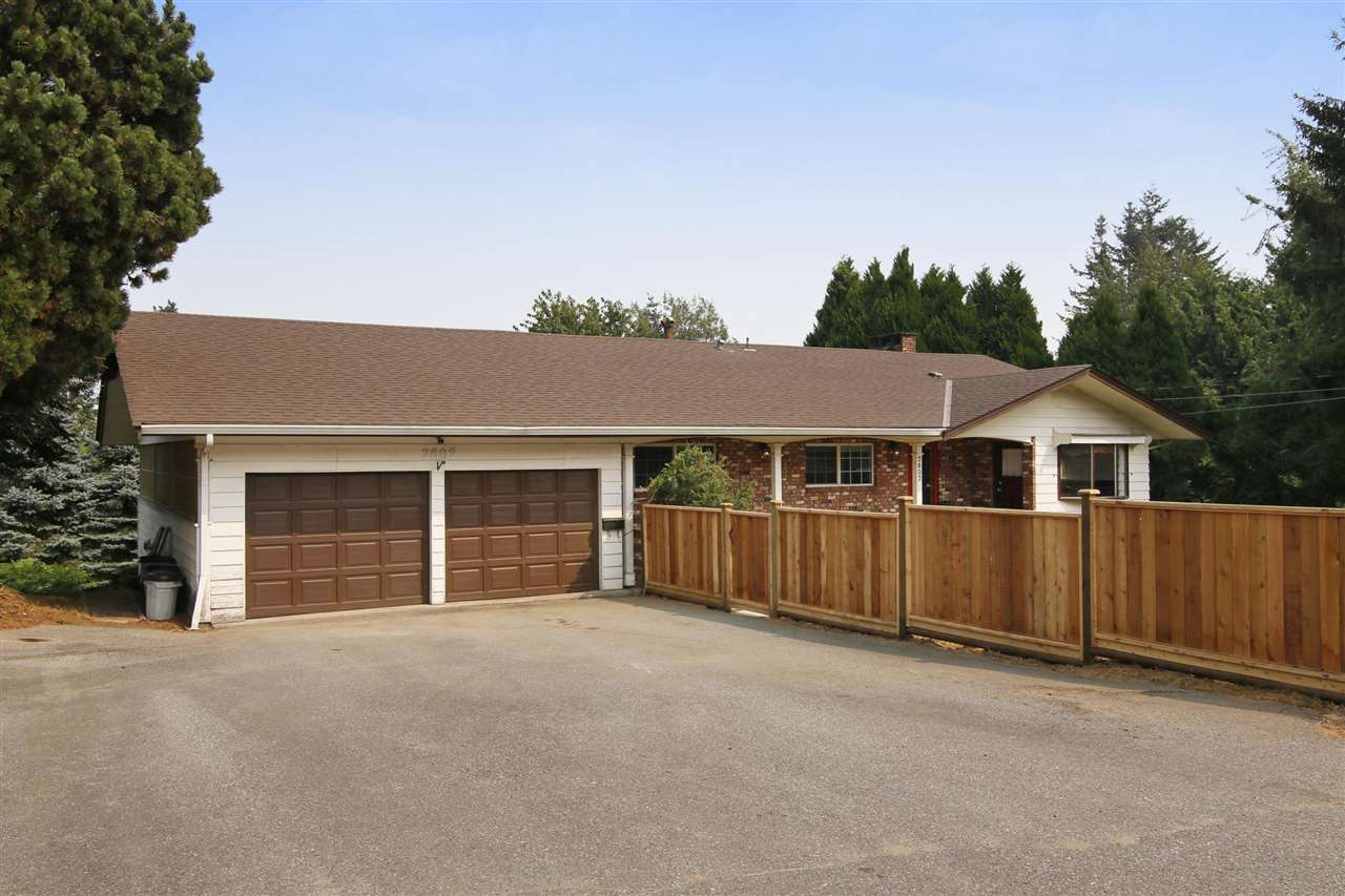 Detached at 2802 UPLAND CRESCENT, Abbotsford, British Columbia. Image 2