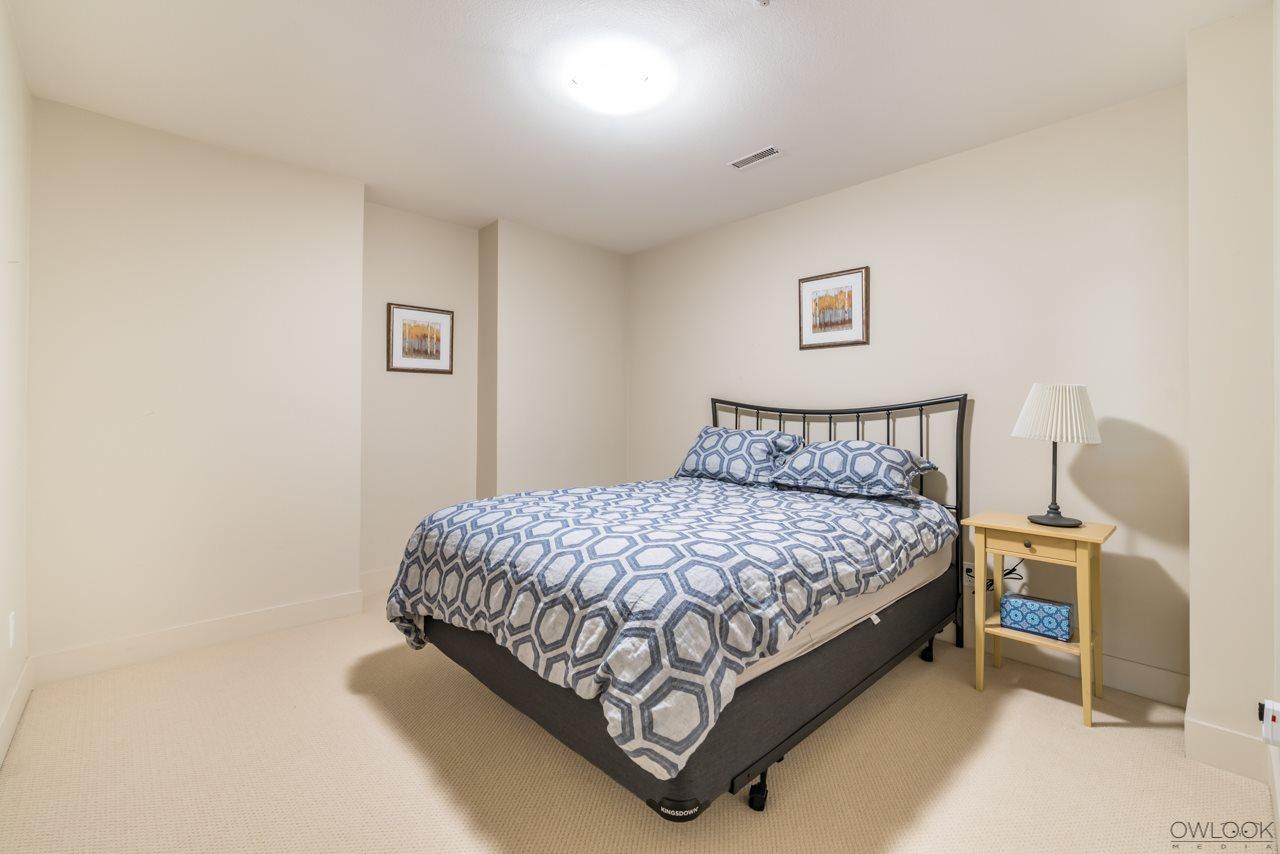 Half-duplex at 6012 CHANCELLOR BOULEVARD, Vancouver West, British Columbia. Image 10