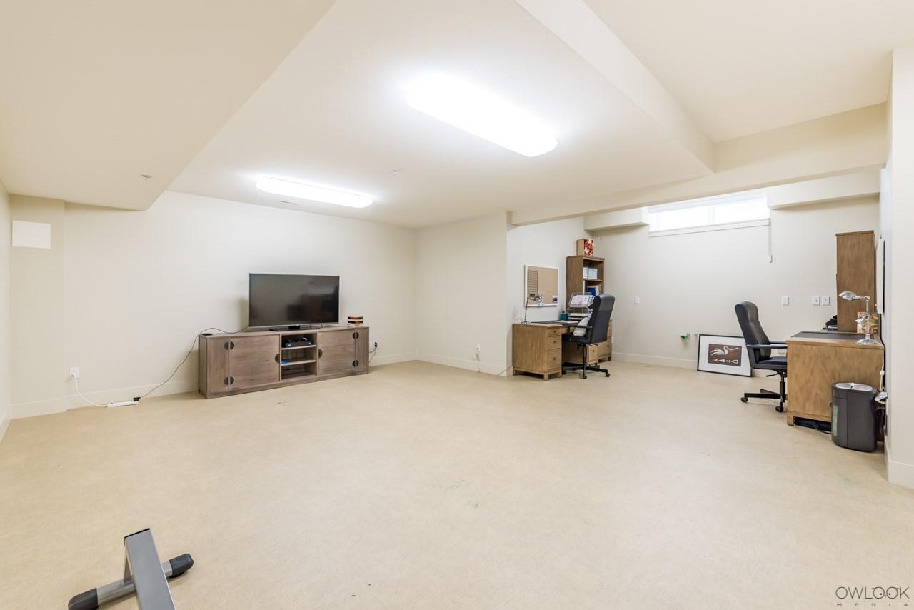 Half-duplex at 6012 CHANCELLOR BOULEVARD, Vancouver West, British Columbia. Image 15