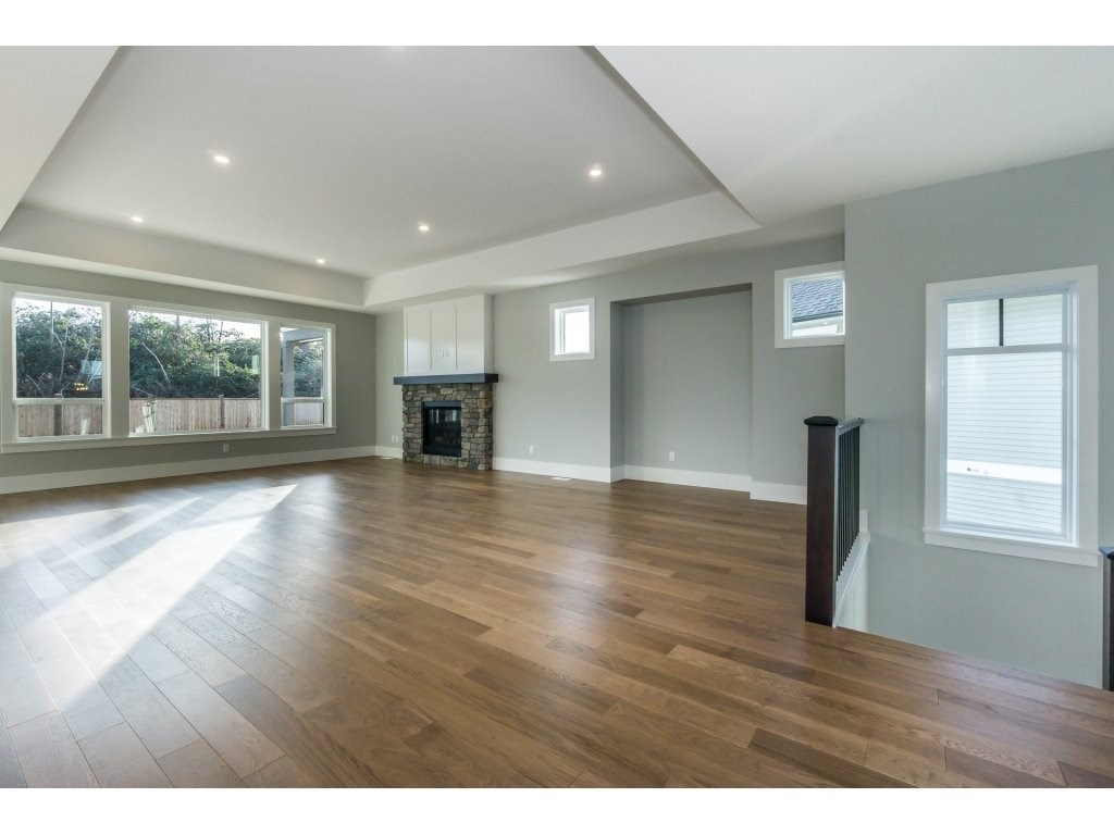 Detached at 2665 BRISTOL DRIVE, Abbotsford, British Columbia. Image 4