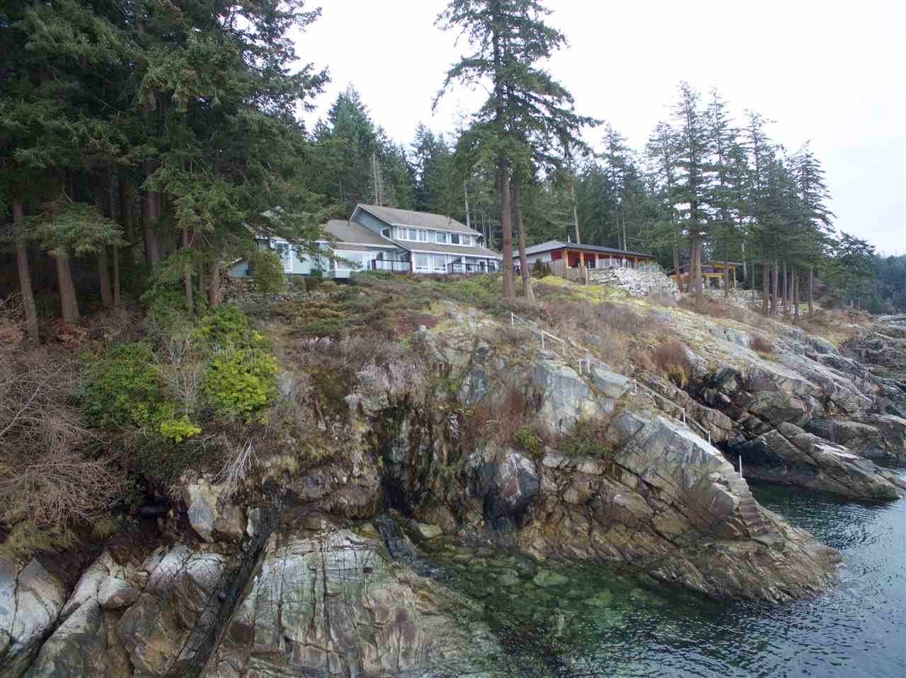 Detached at 2525 LOWER ROAD, Sunshine Coast, British Columbia. Image 3