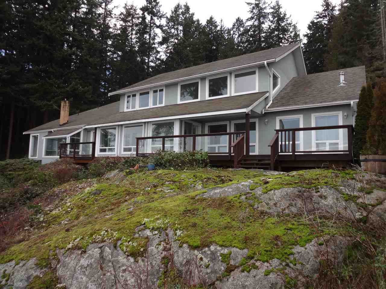 Detached at 2525 LOWER ROAD, Sunshine Coast, British Columbia. Image 4
