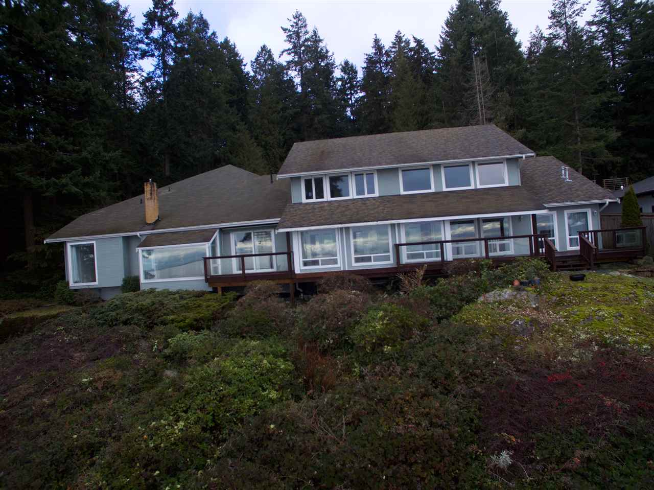 Detached at 2525 LOWER ROAD, Sunshine Coast, British Columbia. Image 5