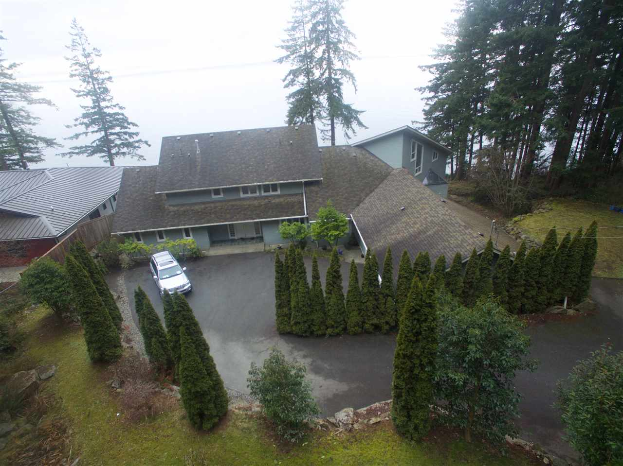 Detached at 2525 LOWER ROAD, Sunshine Coast, British Columbia. Image 6