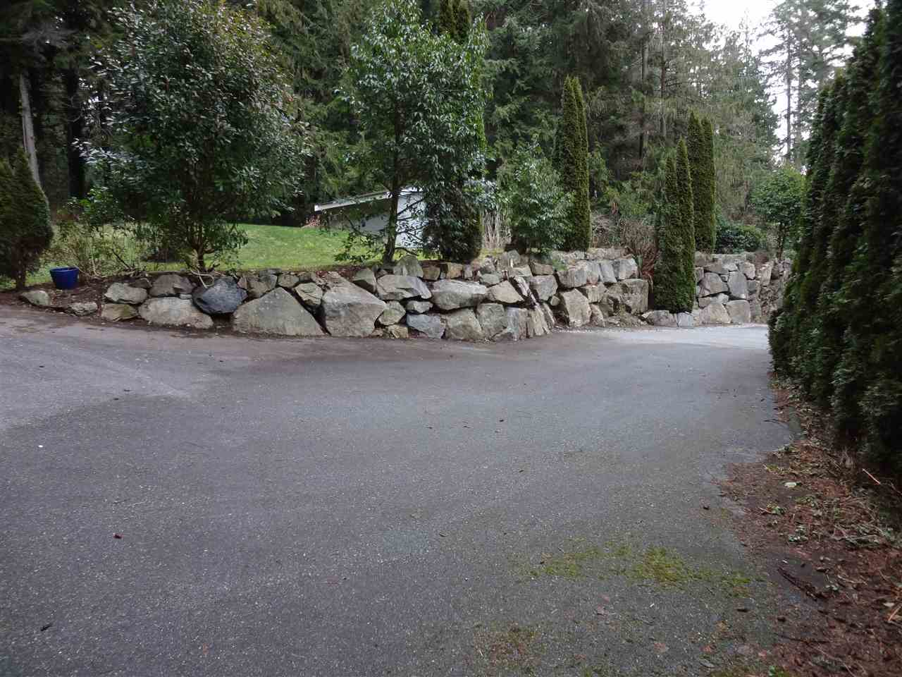 Detached at 2525 LOWER ROAD, Sunshine Coast, British Columbia. Image 10