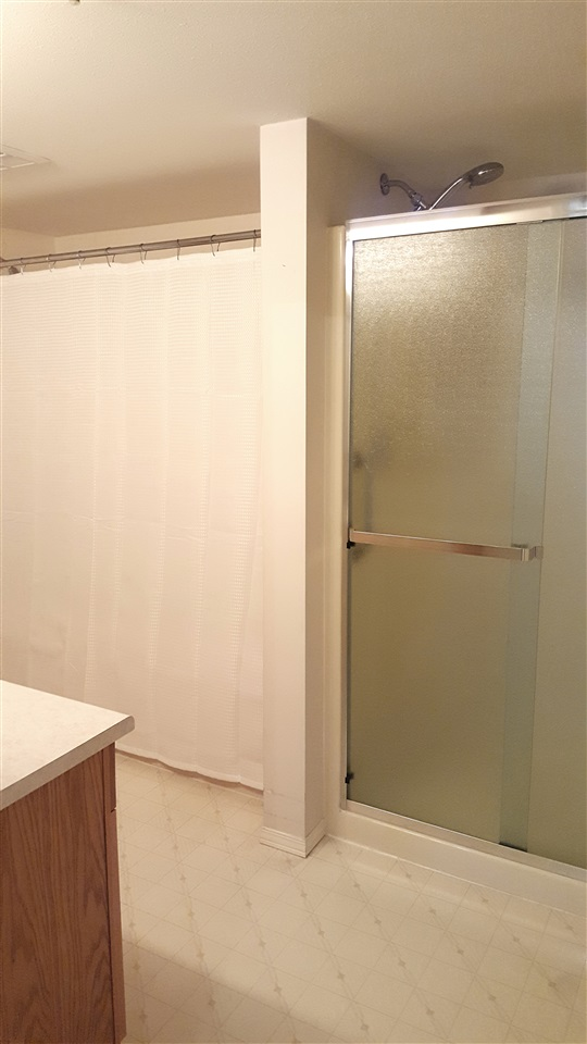 Condo Apartment at 303 2626 COUNTESS STREET, Unit 303, Abbotsford, British Columbia. Image 16