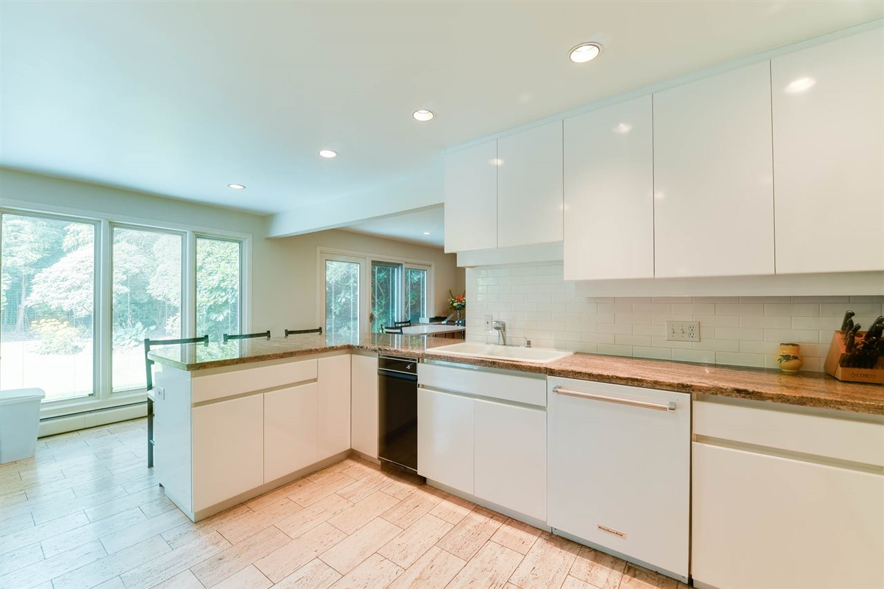 Detached at 6115 ST. CLAIR PLACE, Vancouver West, British Columbia. Image 7