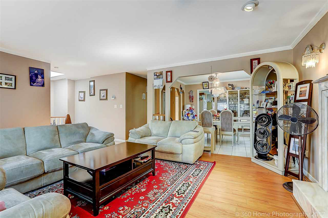 Detached at 350 PEMBINA STREET, New Westminster, British Columbia. Image 7