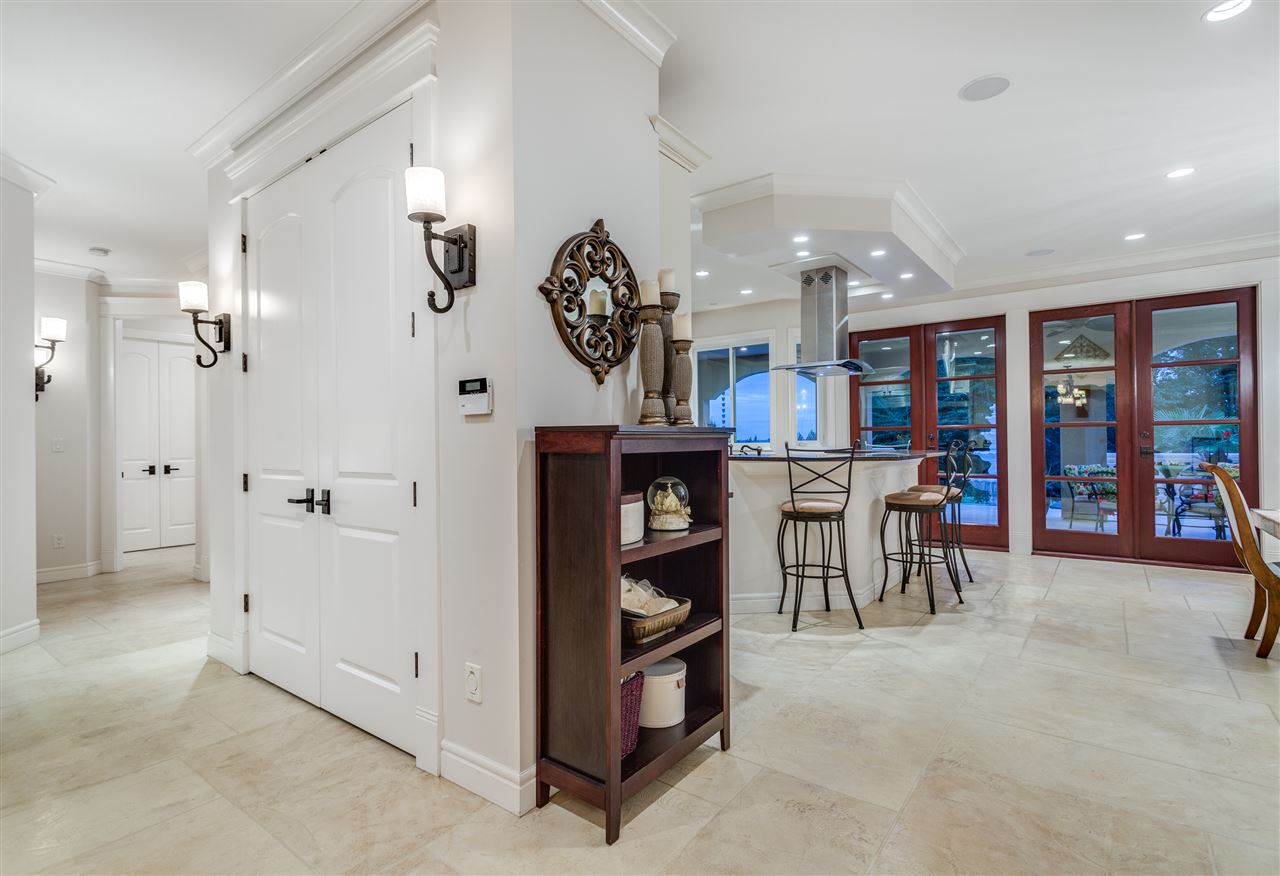 Detached at 2727 CRESCENTVIEW DRIVE, North Vancouver, British Columbia. Image 3