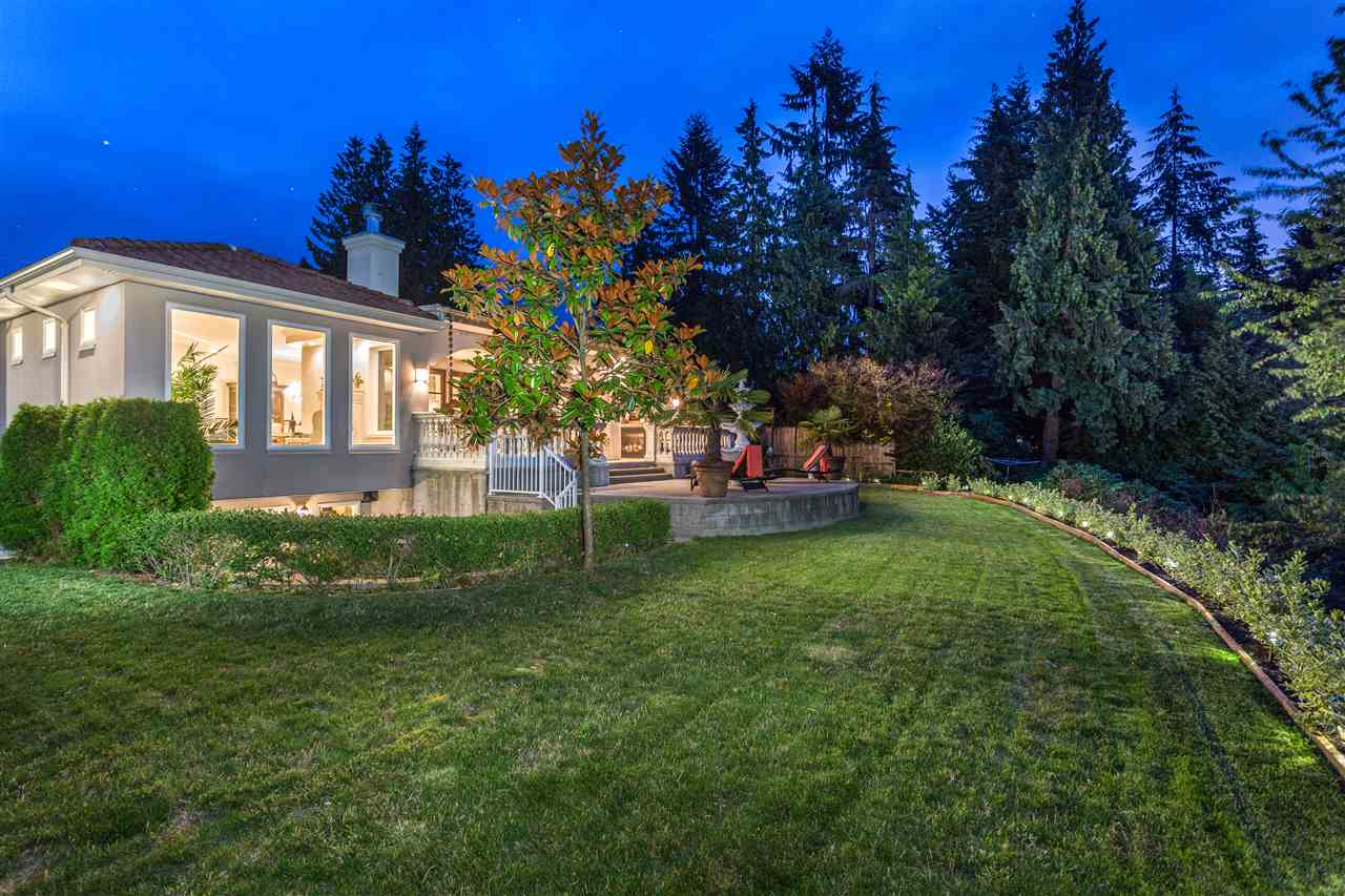 Detached at 2727 CRESCENTVIEW DRIVE, North Vancouver, British Columbia. Image 19