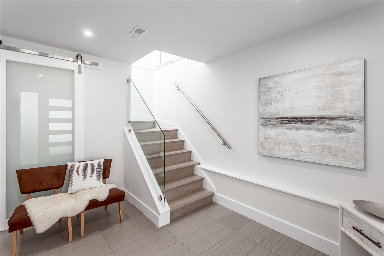 Detached at 4094 W 19TH AVENUE, Vancouver West, British Columbia. Image 2