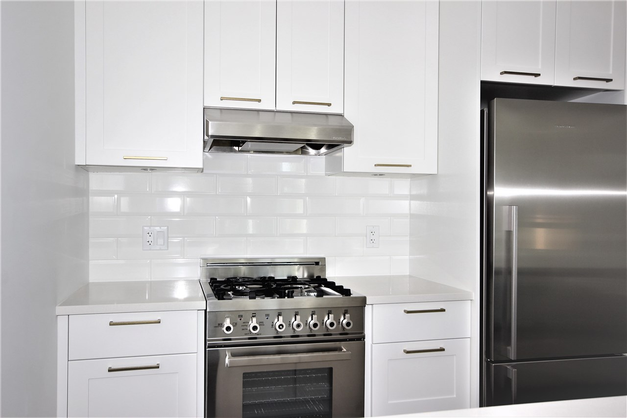 Condo Apartment at 501 168 E 35TH AVENUE, Unit 501, Vancouver East, British Columbia. Image 1