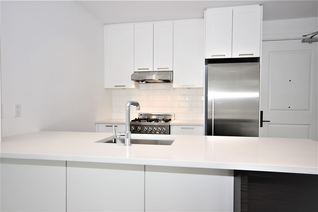Condo Apartment at 501 168 E 35TH AVENUE, Unit 501, Vancouver East, British Columbia. Image 2