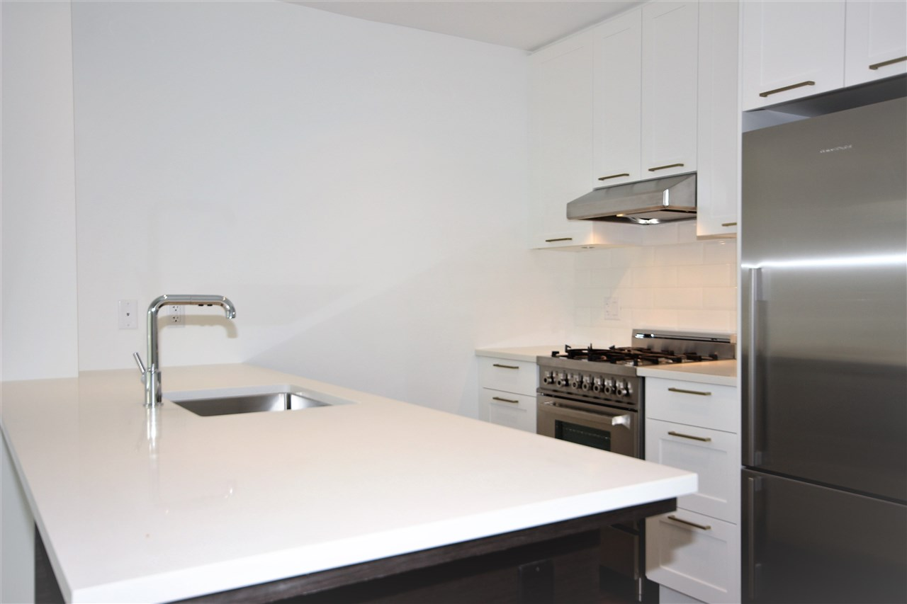 Condo Apartment at 501 168 E 35TH AVENUE, Unit 501, Vancouver East, British Columbia. Image 3