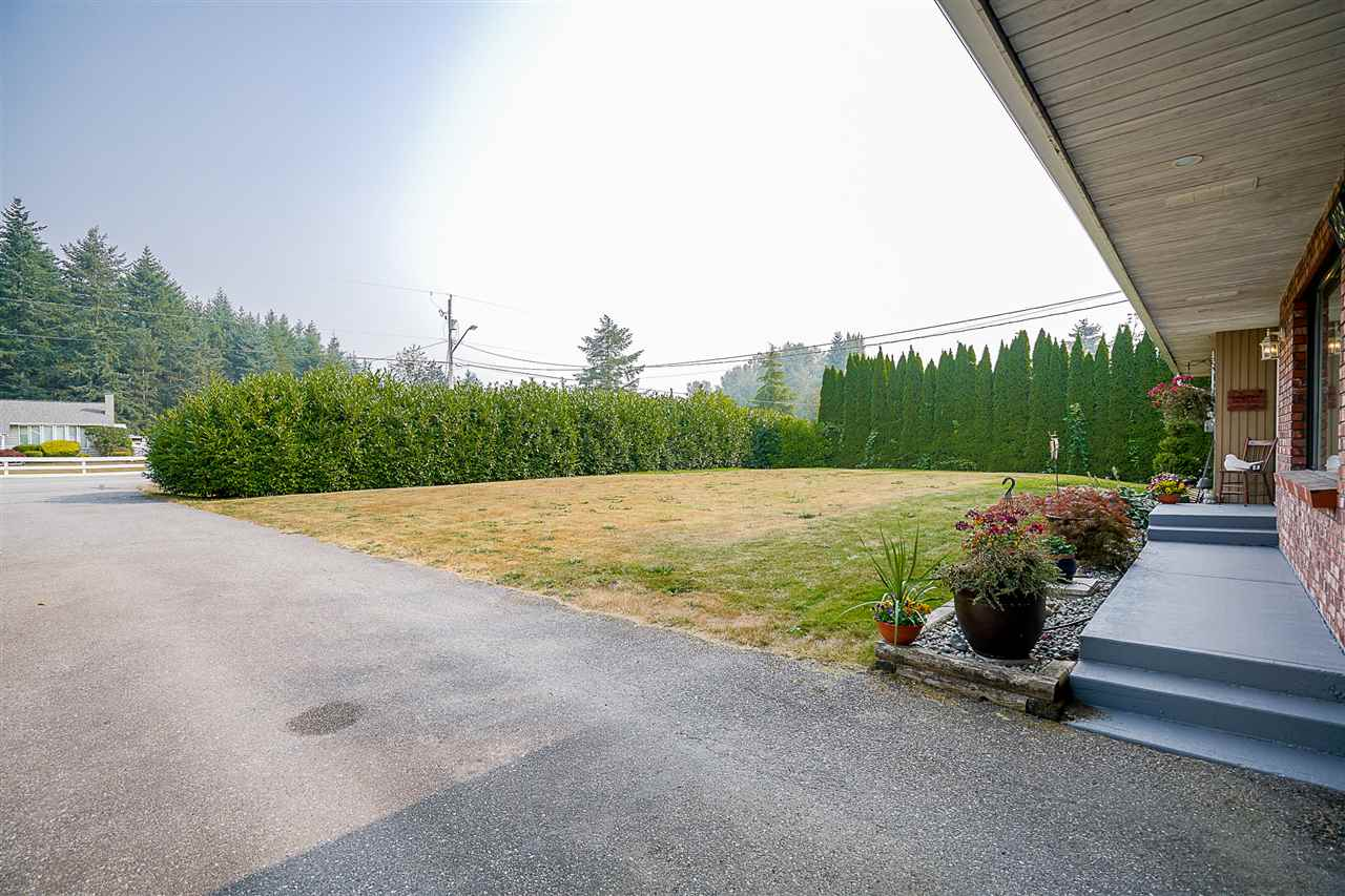Detached at 24964 54 AVENUE, Langley, British Columbia. Image 2