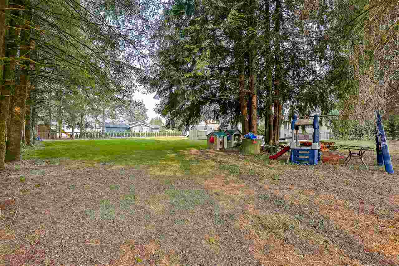 Detached at 24964 54 AVENUE, Langley, British Columbia. Image 18