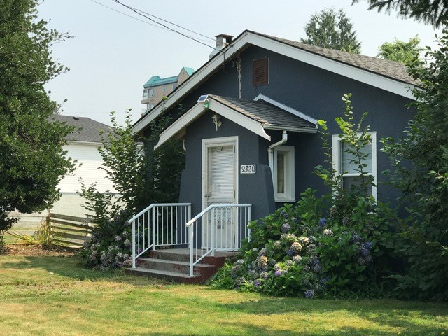 Detached at 9320 EDWARD STREET, Chilliwack, British Columbia. Image 2