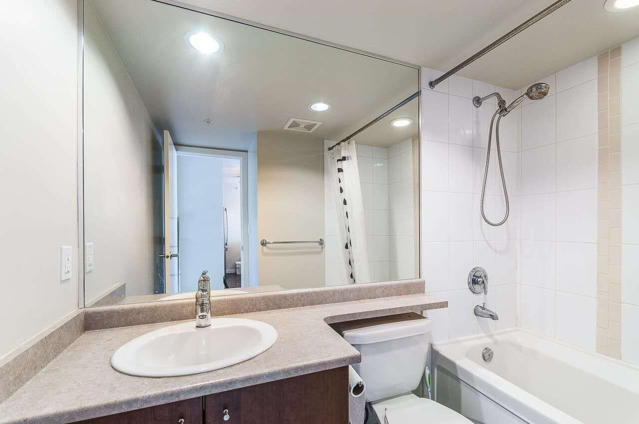 Condo Apartment at 2505 7063 HALL AVENUE, Unit 2505, Burnaby South, British Columbia. Image 9