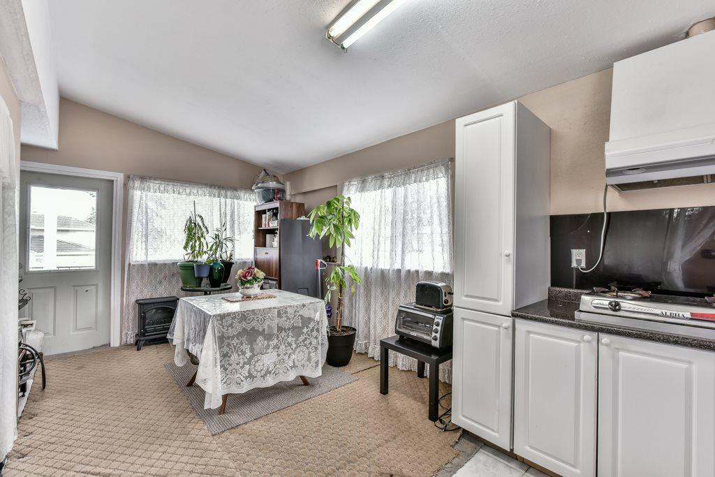 Half-duplex at 7532 118 STREET, N. Delta, British Columbia. Image 7