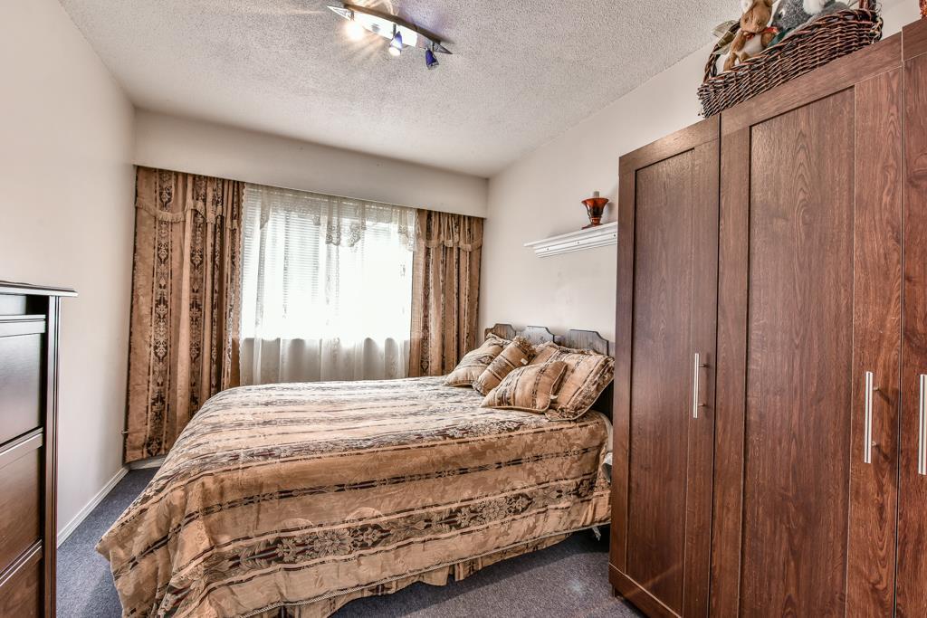 Half-duplex at 7532 118 STREET, N. Delta, British Columbia. Image 14