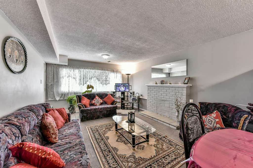 Half-duplex at 7532 118 STREET, N. Delta, British Columbia. Image 16