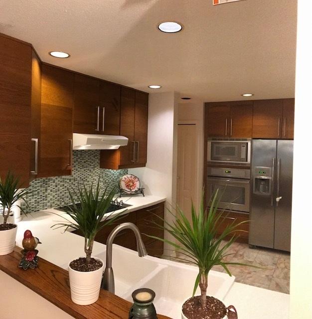 Condo Apartment at 409 1500 OSTLER COURT, Unit 409, North Vancouver, British Columbia. Image 4