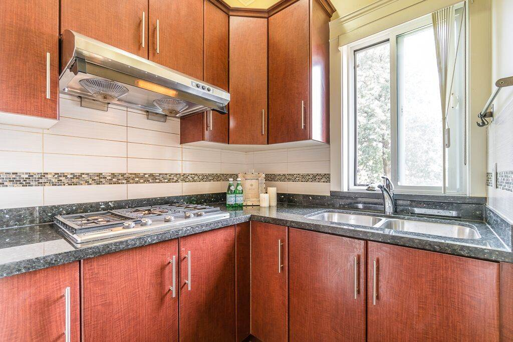 Detached at 6270 ELGIN AVENUE, Burnaby South, British Columbia. Image 8