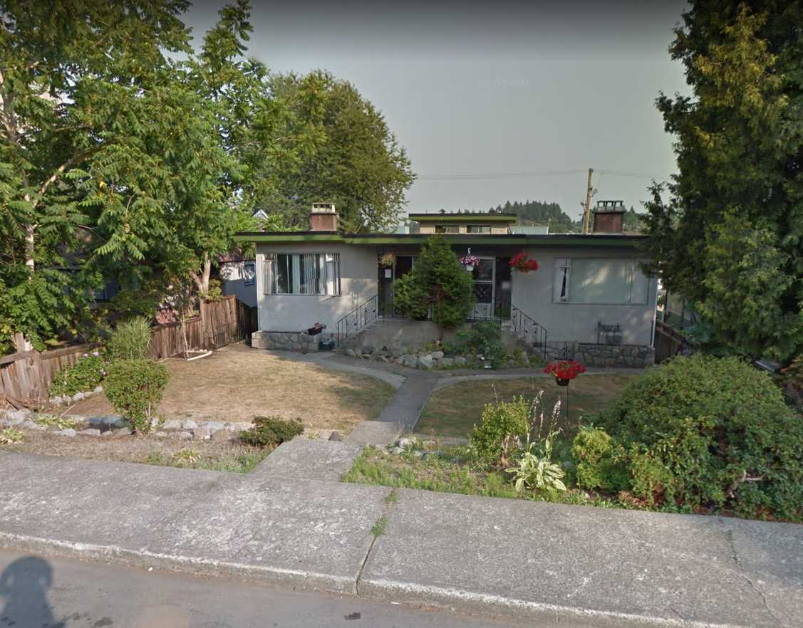Detached at 92 GLOVER AVENUE, New Westminster, British Columbia. Image 2