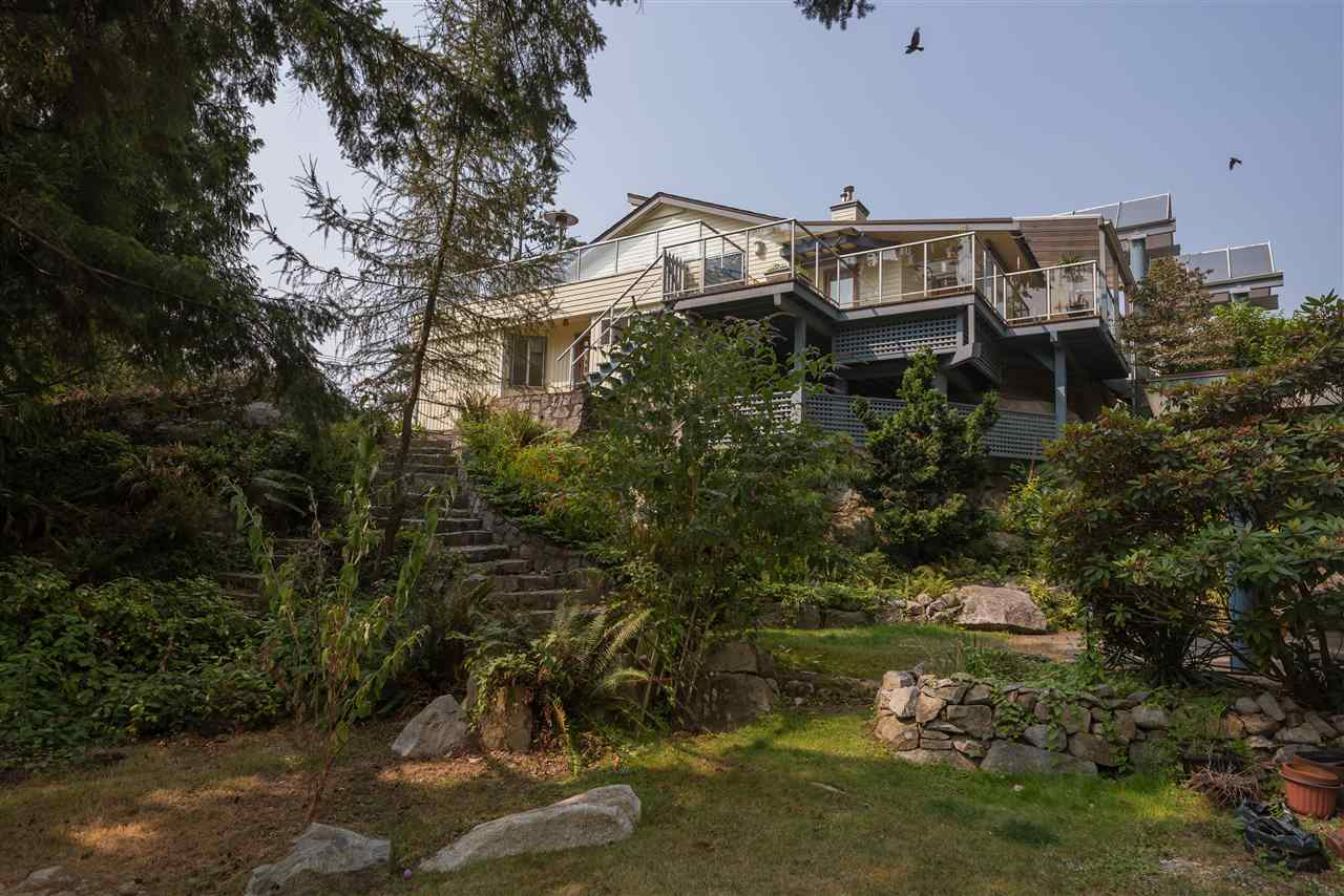 Detached at 4048 ROSE CRESCENT, West Vancouver, British Columbia. Image 1