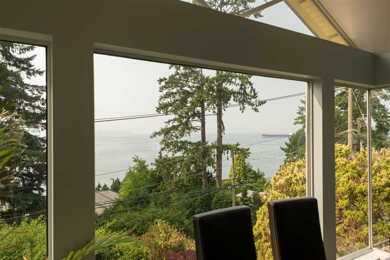 Detached at 4048 ROSE CRESCENT, West Vancouver, British Columbia. Image 7