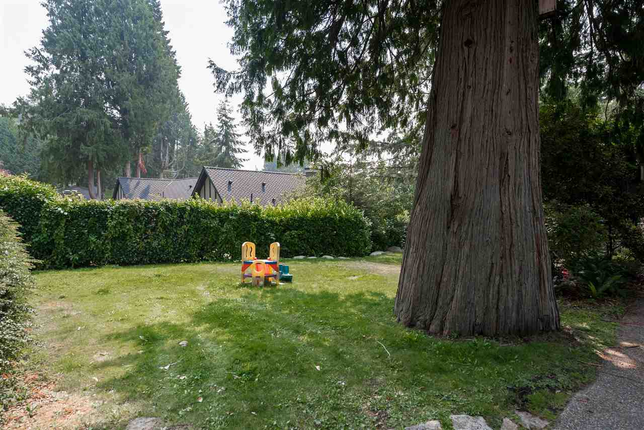 Detached at 4048 ROSE CRESCENT, West Vancouver, British Columbia. Image 20