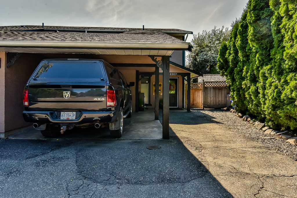 Half-duplex at A 20212 52ND AVENUE, Unit A, Langley, British Columbia. Image 15