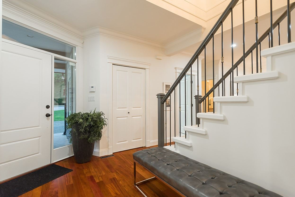 Detached at 969 BELVEDERE DRIVE, North Vancouver, British Columbia. Image 2