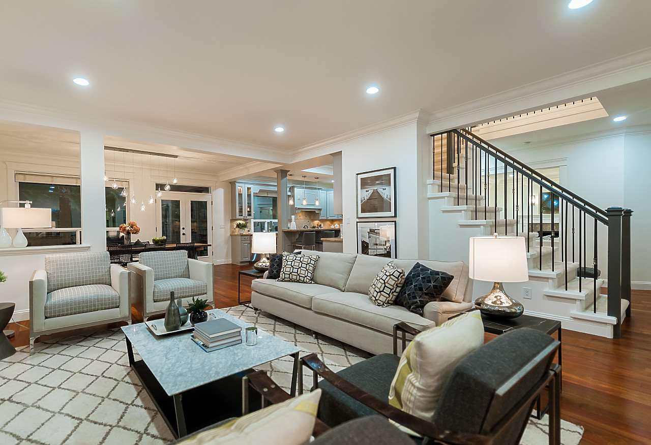Detached at 969 BELVEDERE DRIVE, North Vancouver, British Columbia. Image 10