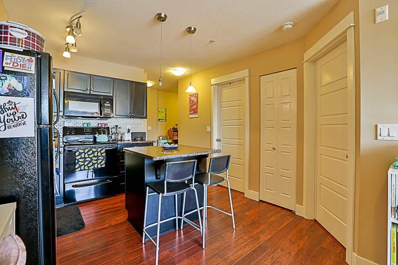 Condo Apartment at 316 30525 CARDINAL STREET, Unit 316, Abbotsford, British Columbia. Image 3