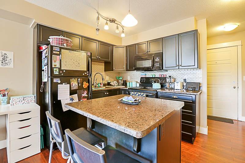 Condo Apartment at 316 30525 CARDINAL STREET, Unit 316, Abbotsford, British Columbia. Image 4