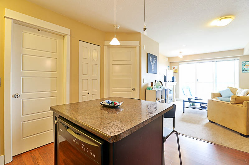 Condo Apartment at 316 30525 CARDINAL STREET, Unit 316, Abbotsford, British Columbia. Image 5