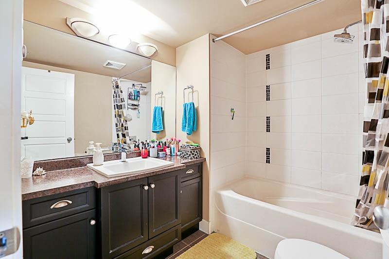 Condo Apartment at 316 30525 CARDINAL STREET, Unit 316, Abbotsford, British Columbia. Image 9