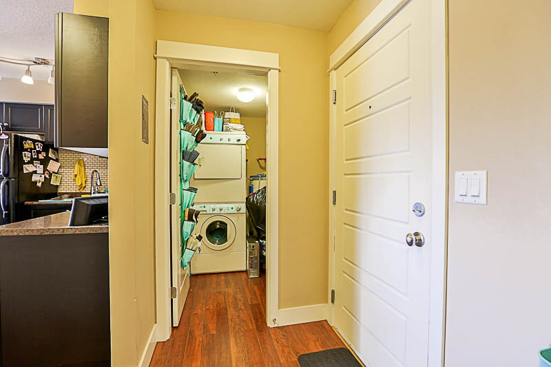 Condo Apartment at 316 30525 CARDINAL STREET, Unit 316, Abbotsford, British Columbia. Image 11