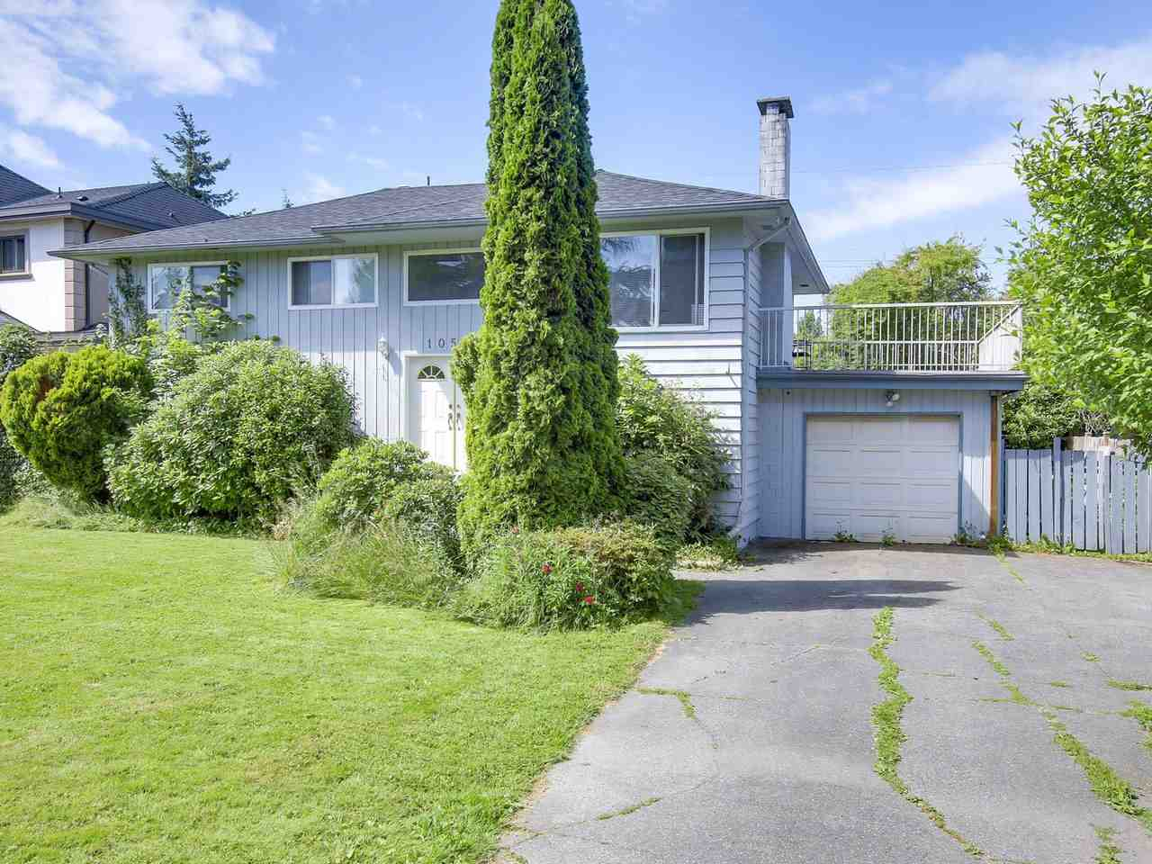 Detached at 10560 AINTREE CRESCENT, Richmond, British Columbia. Image 2