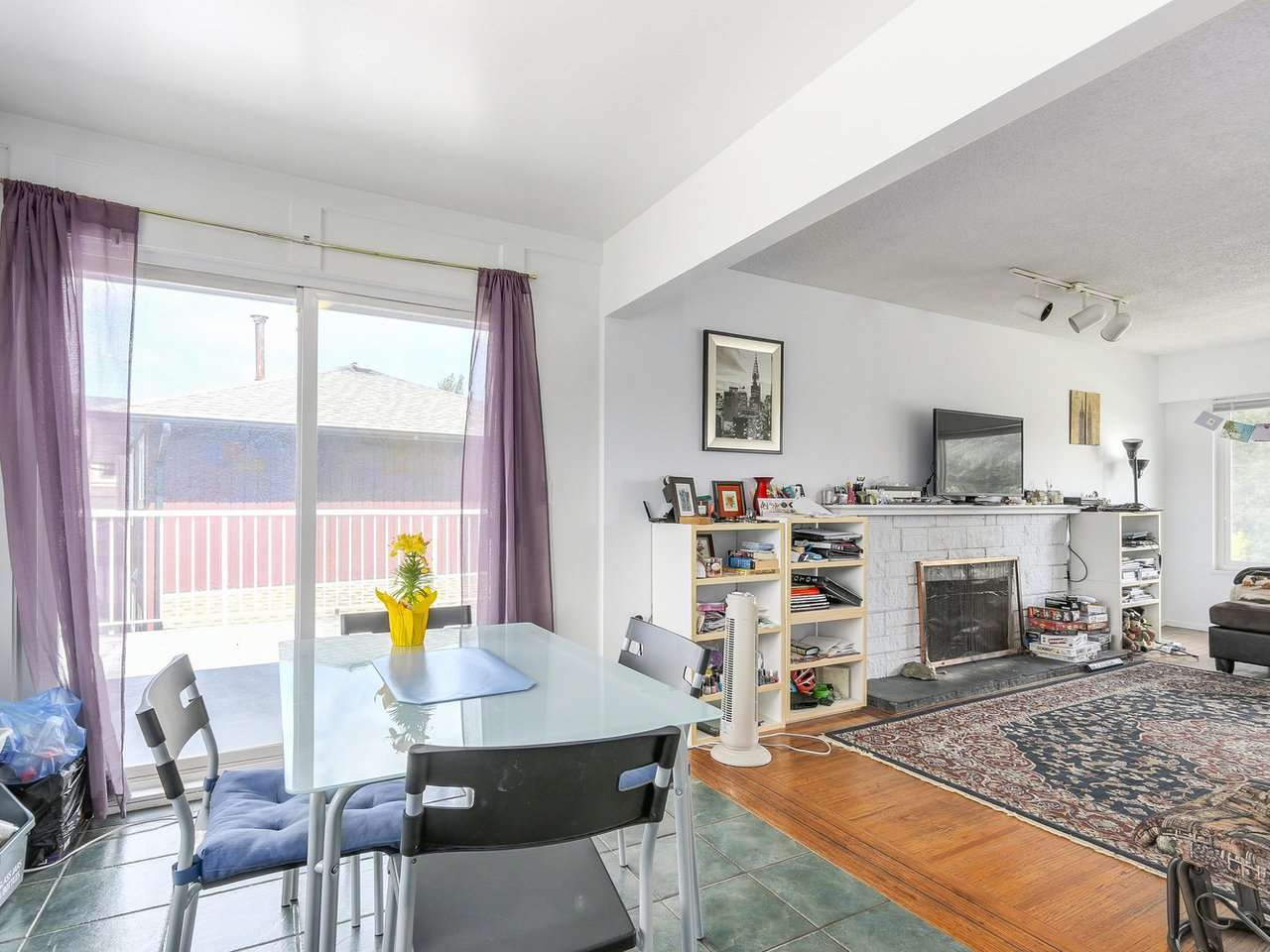 Detached at 10560 AINTREE CRESCENT, Richmond, British Columbia. Image 9