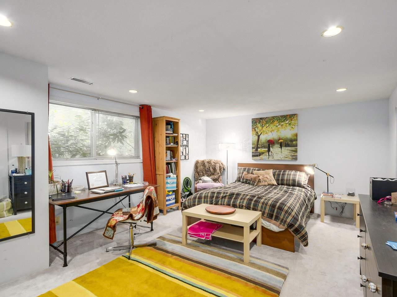 Detached at 10560 AINTREE CRESCENT, Richmond, British Columbia. Image 14
