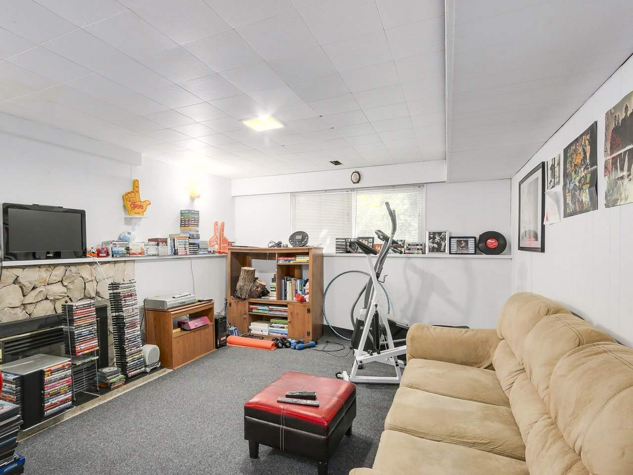 Detached at 10560 AINTREE CRESCENT, Richmond, British Columbia. Image 17