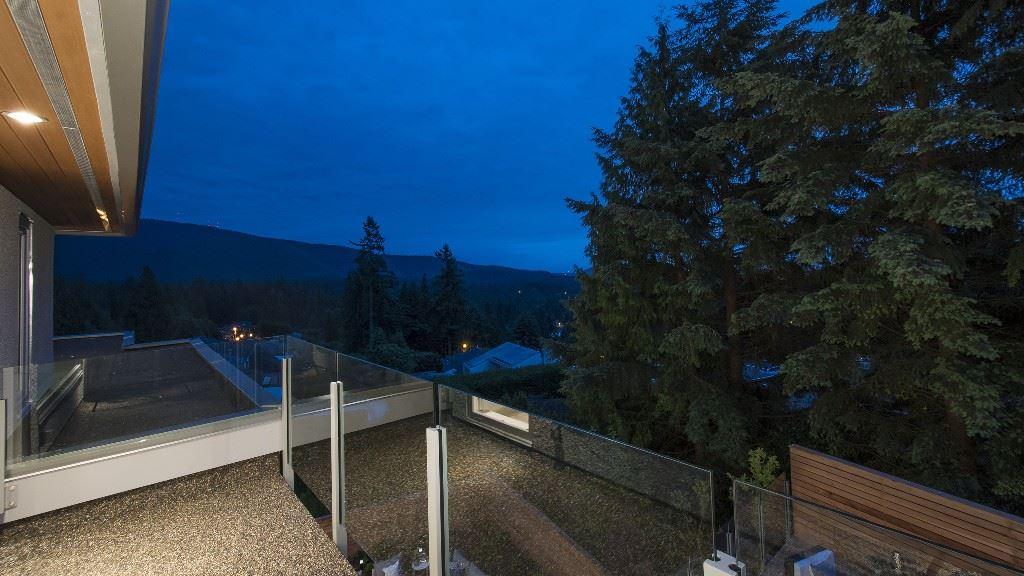 Detached at 1117 DYCK ROAD, North Vancouver, British Columbia. Image 15