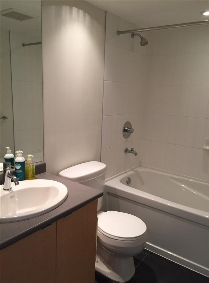Condo Apartment at 802 7575 ALDERBRIDGE WAY, Unit 802, Richmond, British Columbia. Image 6