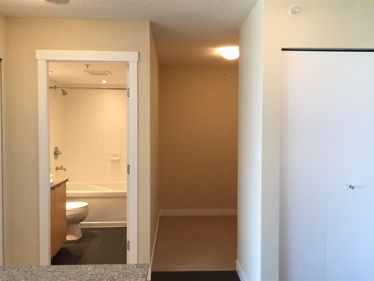 Condo Apartment at 802 7575 ALDERBRIDGE WAY, Unit 802, Richmond, British Columbia. Image 7
