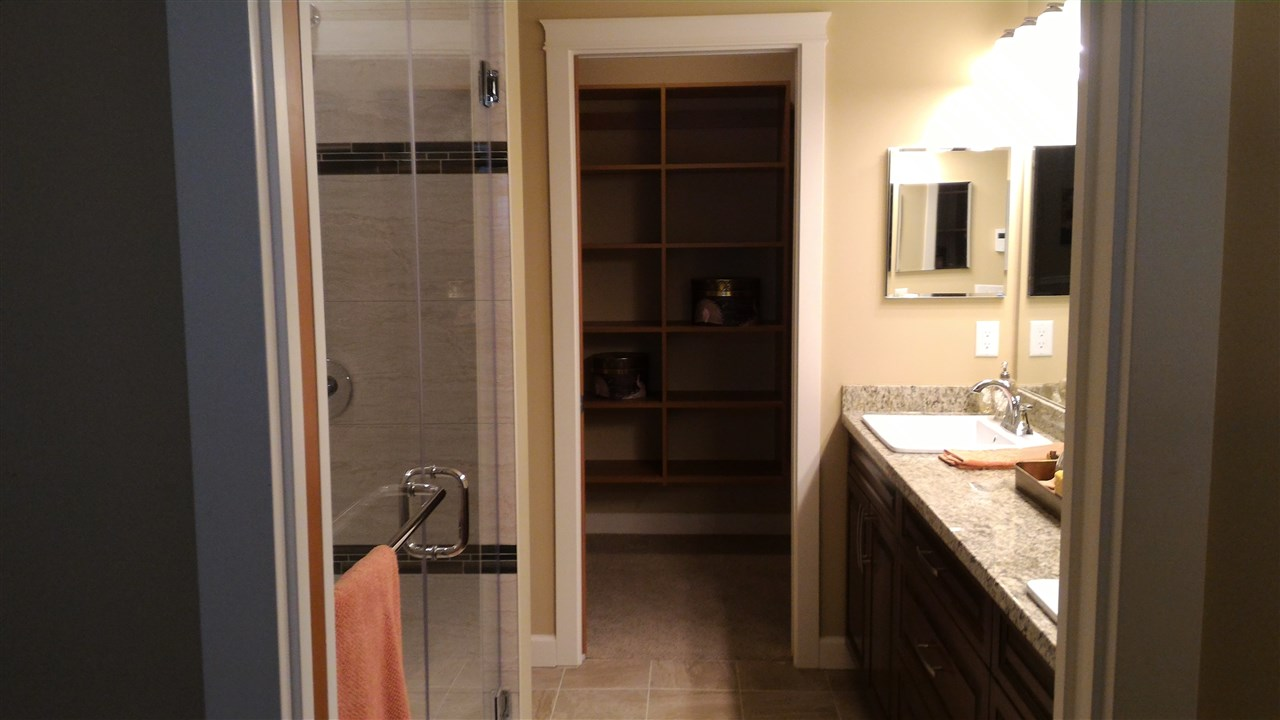 Condo Apartment at 217 32445 SIMON AVENUE, Unit 217, Abbotsford, British Columbia. Image 9